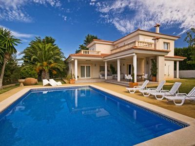Photo for Exclusive Villa with private pool, terraces and views.