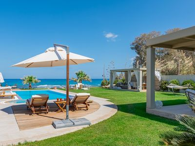 Photo for Seafront Villa Hersonissos, /w Private Heated Pool and Jacuzzi. 1km to taverns