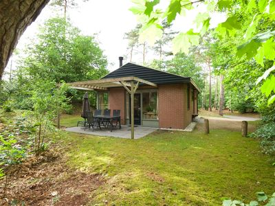 Photo for Luxury 2-person bungalow in the holiday park Landal Miggelenberg - in the woods/woodland setting