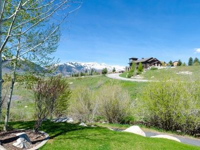 Photo for Escape to the Mountains - Sleeps 8