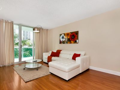 Photo for Fully equiped, ocean front, climatized pool, parking