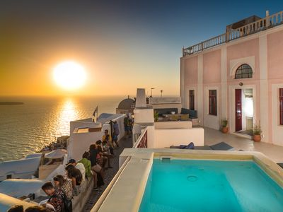 Photo for Sunset villa in Oia with outdoor heated mini-pool