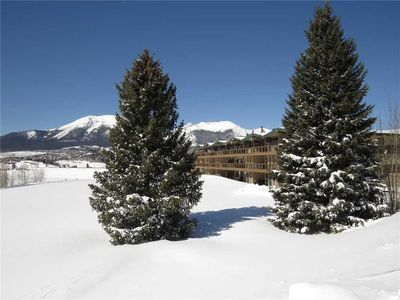Photo for Ground Floor, Mountain Views, Patio, Gas Fireplace. Complex Hot Tub, Easy Drive to Resorts, Dining