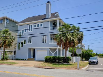 Photo for Palm Paradise - Fantastic 3 bedroom 3 bath stand alone house