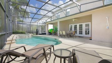 Private pool, 3 master bedrooms, themed rooms, game room, fully equipped