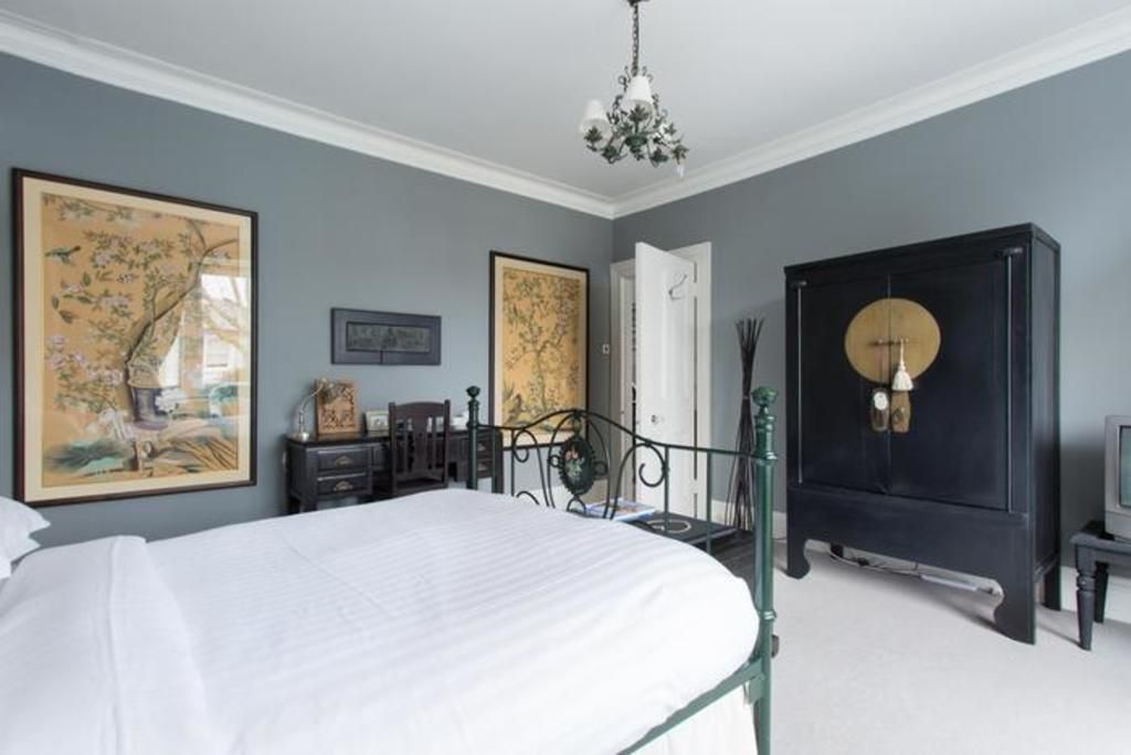 London Home 468, You will Love This Luxury 4 Bedroom Holiday Home in London, England - Studio Villa, Sleeps 8