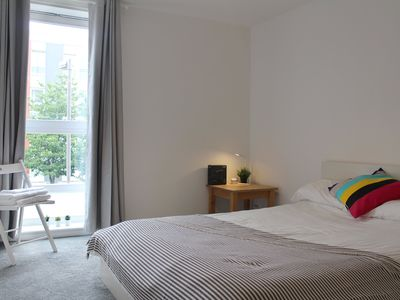 Photo for 2 Bedroom Flat Beside Glasgow Royal Infirmary