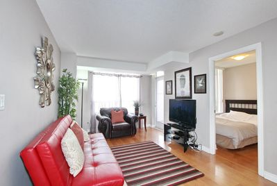 Marvelous Corporate Rental 3 Bedroom Suite In Mississauga Downtown Mississauga Interior Design Ideas Apansoteloinfo