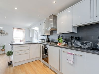 Photo for ⭐ Spacious Apartment In The Heart Of Windsor ⭐