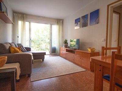 Photo for Apartment, 2 bedrooms and wifi close to the beach