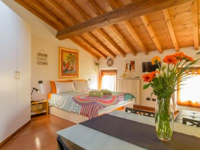 Photo for fully equipped studio located just a stone's throw from Ponte Pietra