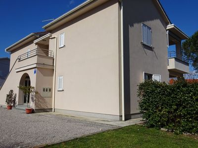 Photo for Spacious apartment with terrace and garden with barbecue !
