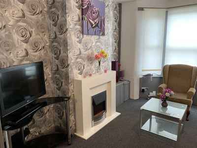 Photo for ⭐️ Whole House 2 bedroom with Parking + WiFI ⭐️ 10mins to centre⭐️