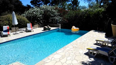 Photo for 100m² apartment in villa with pool and private garden, 4 persons, 800m sea