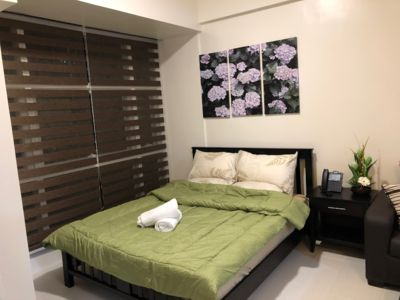 Photo for Twin Oaks Place, Cozy Studio Unit across EDSA Shangrila