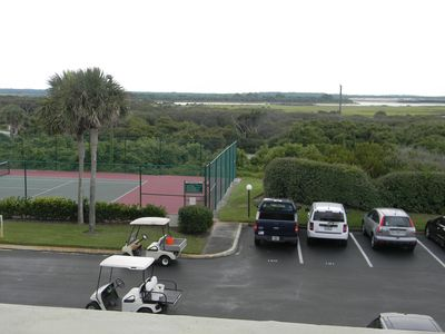 The tennis courts are right out our front door.. tennis anyone?