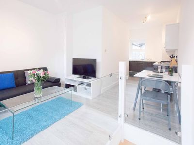 Photo for Super Central Flat Euston/Kings Cross - One Bedroom Apartment, Sleeps 4