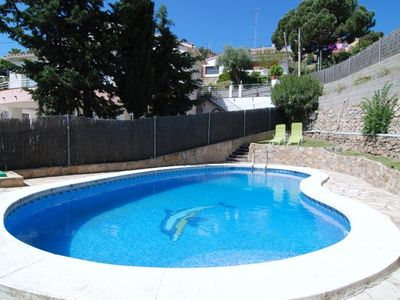 Photo for Club Villamar - Comfortable villa for 12 people, private pool and BBQ, just 3 min. drive from the...