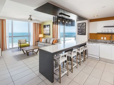 Photo for Luxury 1 Bedroom condo right by Clearwater Beach