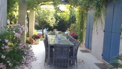 Photo for House with garden and private pool, 5 minutes walk from the heart of Saint Rémy