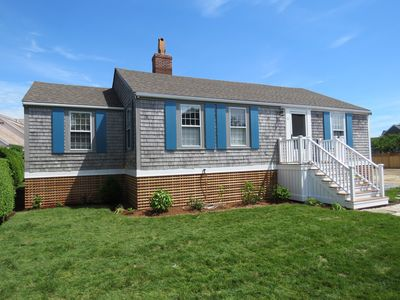 Photo for Brant Point cottage close to Jetties Beach