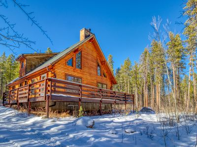 Photo for NEW LISTING! Roomy, dog-friendly cabin w/full kitchen, deck & Ping-Pong table