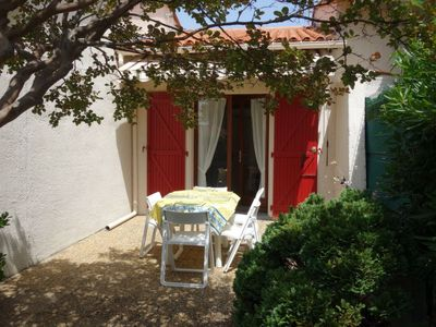 Photo for One bedroom Villa, sleeps 5 with WiFi and Walk to Beach & Shops