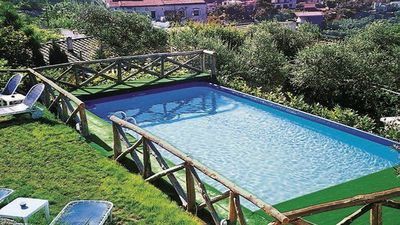 Photo for Cosy Assuma (C) independent apartment complex with shared pool in Sorrento coast