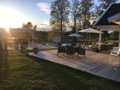 Photo for Lovely villa with lake view in Kristinehamn archipelago!Own pool, sauna and Jacuzzi