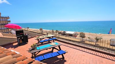 Photo for MARILU SEAVIEW & BEACH - apartment, 5 bedrooms, 2 bathrooms, sun terrace