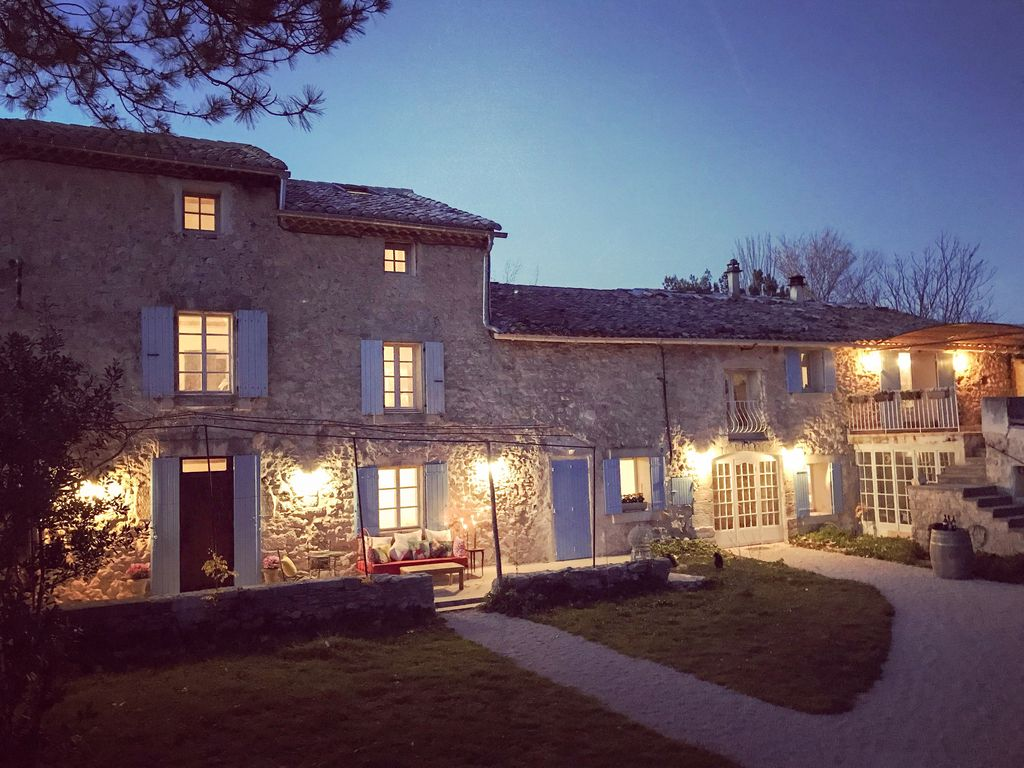 Location Vacances Bed And Breakfast Pernes Les Fontaines