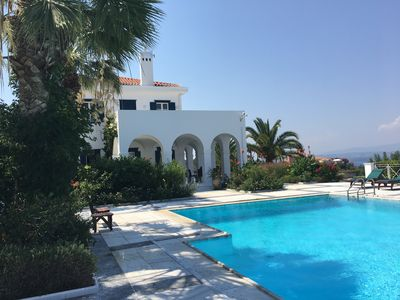 Luxurious 7 bedroom villa with panoramic sea view and infinity swimming  pool - Spetses