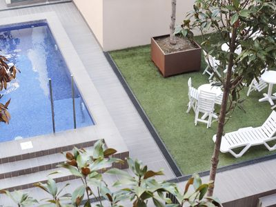 Photo for Enjoybcn Patio de Gràcia - Two-room apartment, garden and pool