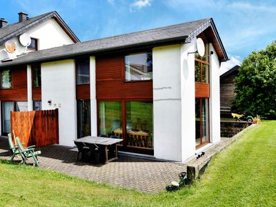 Comfortable Holiday Home with Jacuzzi in St Vith