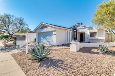North Phoenix Contemporary   3 bed/2 bath with pool!