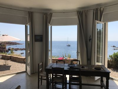 Photo for Provencal house romantic, feet in the water on the Corniche d'Or