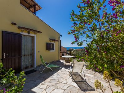 Photo for House with garden overlooking the sea