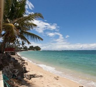 Photo for Hale Lokahi House of Peace - Oceanfront 4 bedroom (Monthly Rental)