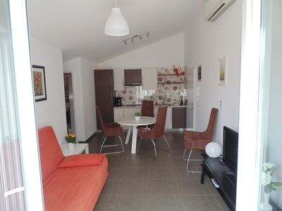 Photo for Apartment for 4 + 1 people, 150 m from the beach, with sea view - No. 2
