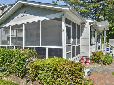 Photo for FREE DAILY ACTIVITIES!!  Charming 3 bedroom, 2 bath beach cottage offers one level living with convenient location only a short walk or bike ride from down town Bethany,