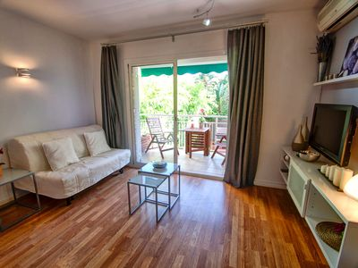 Photo for Malkovich 1BR - One Bedroom Apartment, Sleeps 4