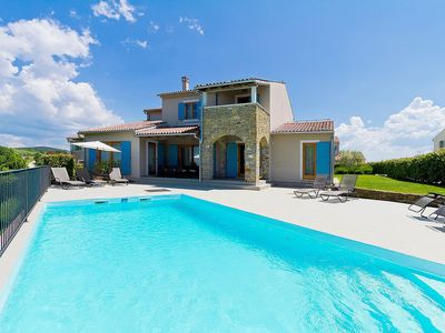 Photo for Stunning private villa for 8 guests with WIFI, private pool, A/C, TV and parking
