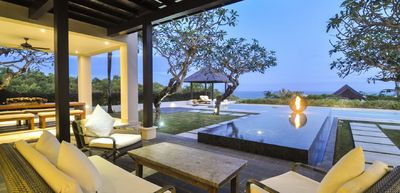 Photo for Spectacular Clifftop Luxury 4 Bedroom Villa with beach access, Uluwatu