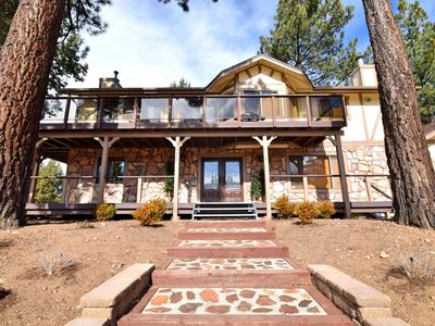 Photo for Jetted Outdoor Spa! BBQ. Pool Table. 2 Fireplaces! Close to Lake and Village.