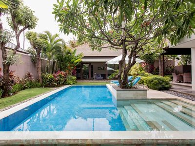Photo for Luxury Kejora Villa complex with private access to the beachfront at Sanur, Bali