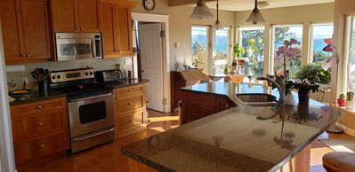 Photo for Ocean View, Family Friendly Executive Home with Hot tub, Near Beach