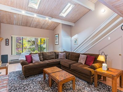 Photo for 214 Forest Pines - walk to beaches, pool and hot tub