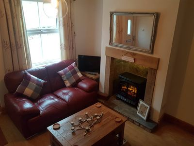 Poppy cottage 5 minutes walk to Ashbourne, 20 min drive to Alton towers and more