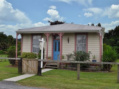 Photo for Shunters Cottage Waihi