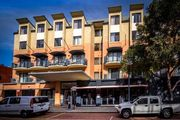 East Perth 2 BR Affordable Riverside Luxury 9
